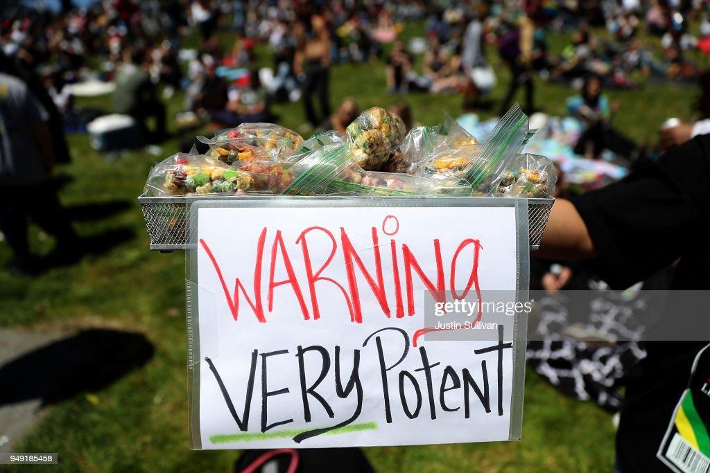 """Annual Marijuana """"Holiday"""" 4/20 Celebrated In San Francisco : News Photo"""