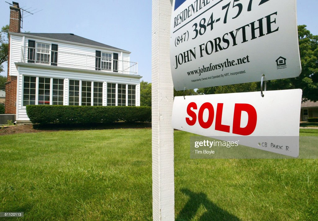 Existing Home Sales And Prices Hit Record High : News Photo