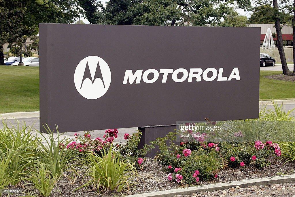 IRS claims Motorola owes $500 million : News Photo