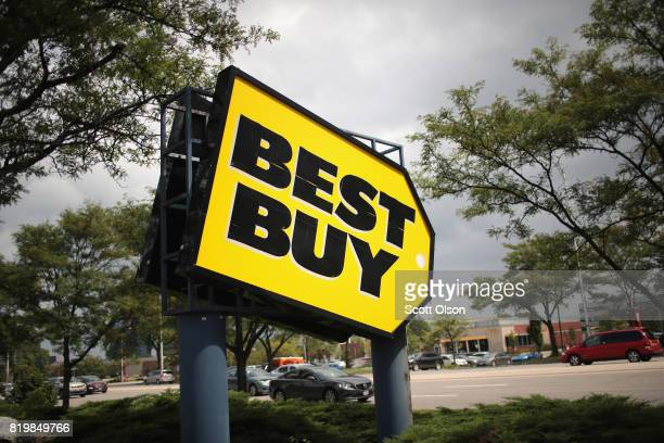 A sign marks the location of a Best Buy store on July 20 2017 in Schaumburg Illinois Sears Holdings Inc announced today that it had agreed to sell...