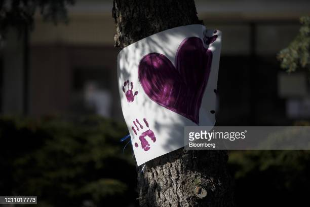 A sign of encouragement for nurses and residents is displayed outside the Eatonville Care Centre a longterm care home in Toronto Ontario Canada on...