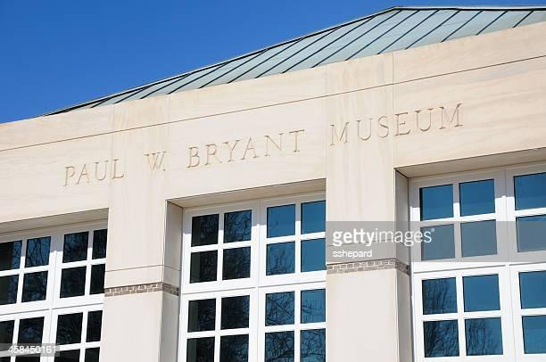 サインオンポール・w ・ブライアント博物館 - タスカルーサ ストックフォトと画像