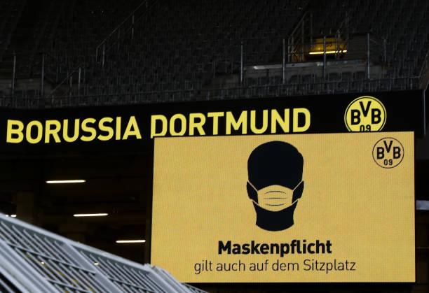 DEU: Borussia Dortmund v FC Schalke 04 - Bundesliga