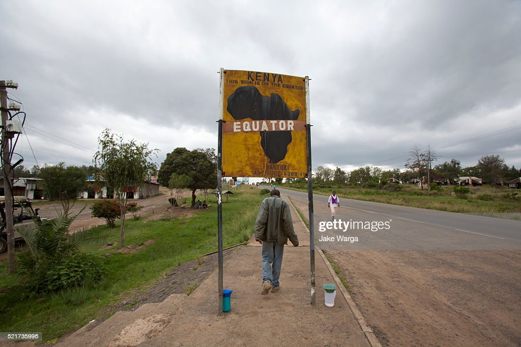 Sign on the equator in Kenya : Stock Photo