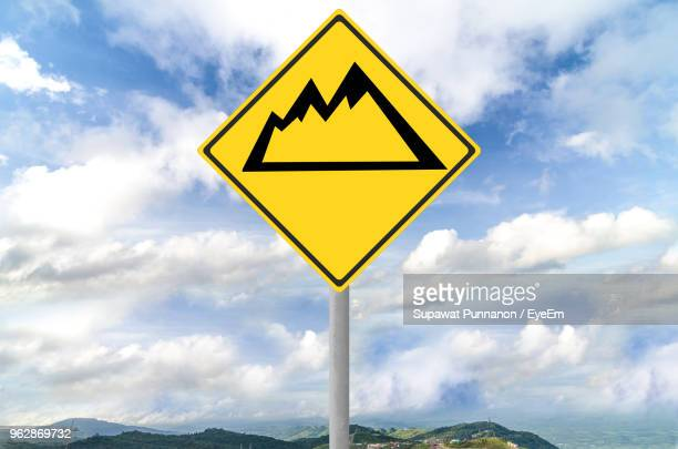 30 Top Yellow Triangle Road Sign Pictures, Photos and Images