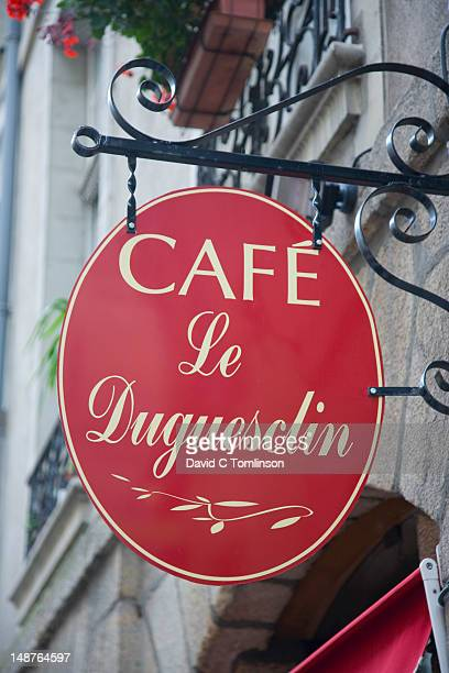 Sign outside Cafe Le Duguesclin in Rue du Guesclin.