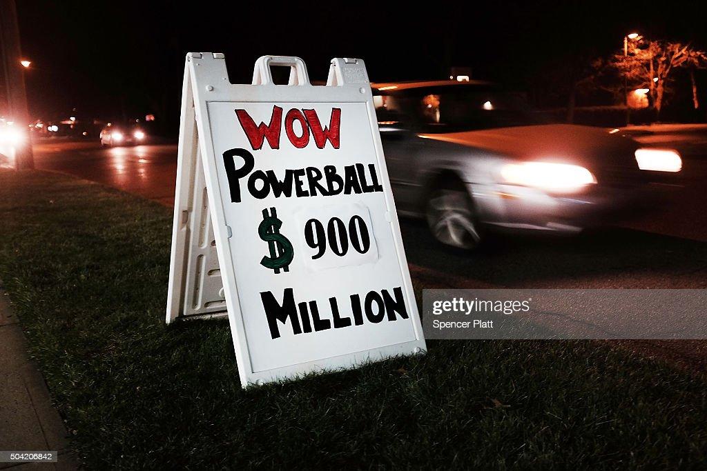 Powerball Jackpot Surges To Record $900 Million : News Photo