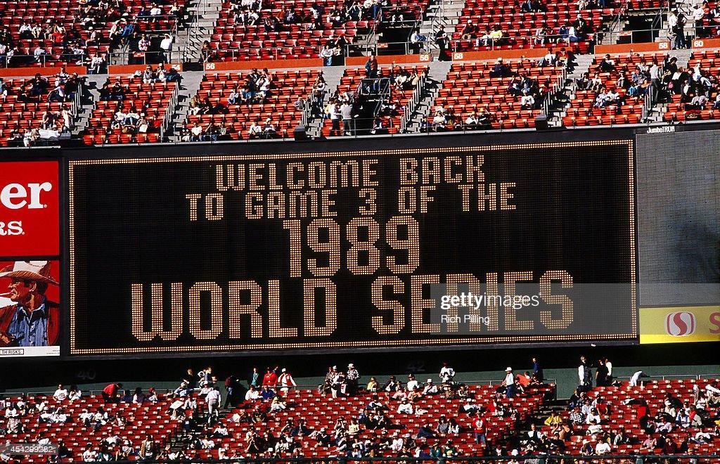 World Series - Oakland Athletics v San Francisco Giants - Game Three : News Photo