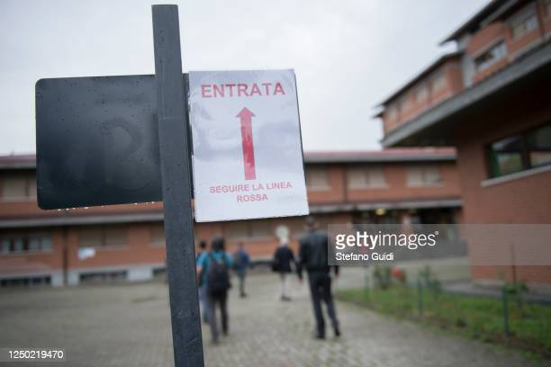 Sign warning of distancing and prevention measures for Coronavirus inside the Colombatto State Professional Institute on June 17, 2020 in Turin,...