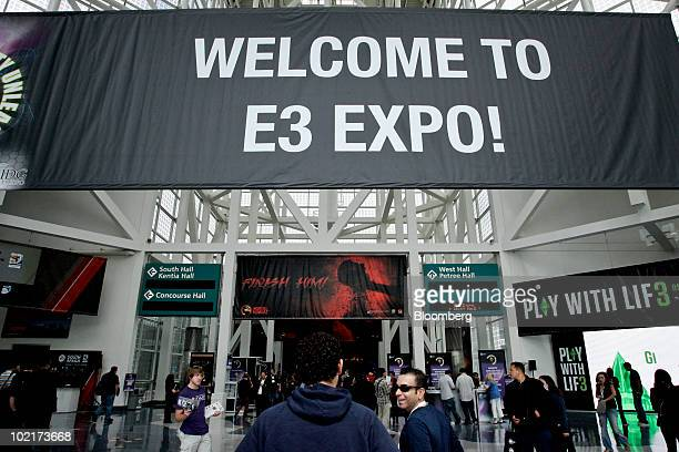 Sign welcomes attendees to the Electronic Entertainment Expo in Los Angeles, California, U.S., on Wednesday, June 16, 2010. Nintendo Co., Sony Corp.,...