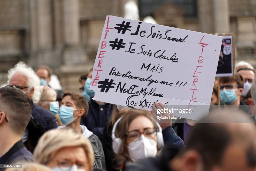Rally Held In Lille In Memory Of Murdered Teacher : Photo d'actualité