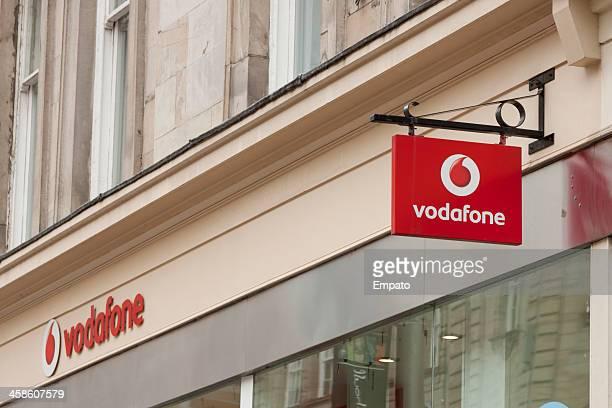 看板のボーダフォンショップ - vodafone ストックフォトと画像