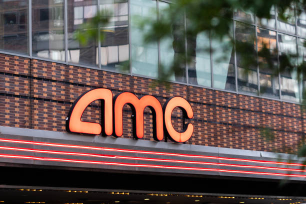 NY: An AMC Theater As Insiders Sell Another $4 Million In Shares Amid Reddit Rally