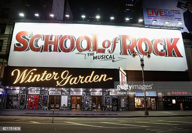 Winter Garden Theater Manhattan Stock Photos And Pictures Getty Images