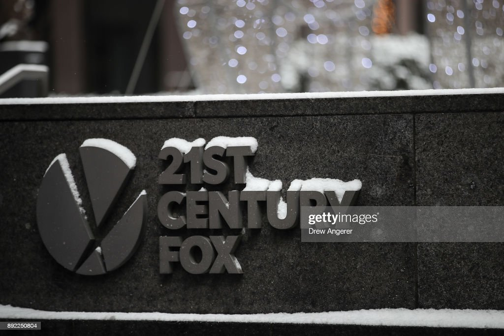 Disney To Buy 21st Century Fox's Entertainment Business : ニュース写真