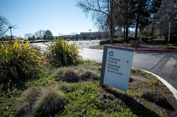 CA: HP Headquarters Ahead Of Earnings Figures
