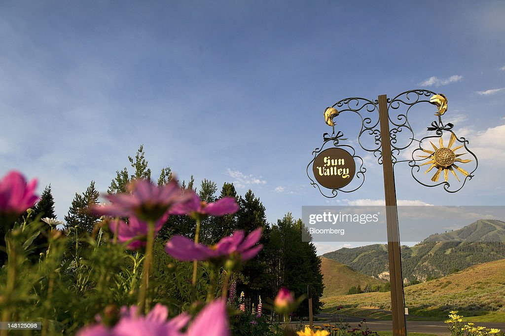 Signage for the Sun Valley Inn is displayed at the entrance of the Sun Valley Inn in Sun Valley, Idaho, U.S., on Tuesday, July 10, 2012. Media executives gathering at Allen & Co.'s Media and Technology Conference in Sun Valley this week will look for opportunities to capitalize on an entertainment environment shaped by the shift toward mobile and online viewing. Photographer: David Paul Morris/Bloomberg via Getty Images