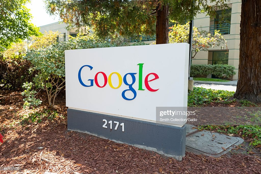 Google Signage : News Photo