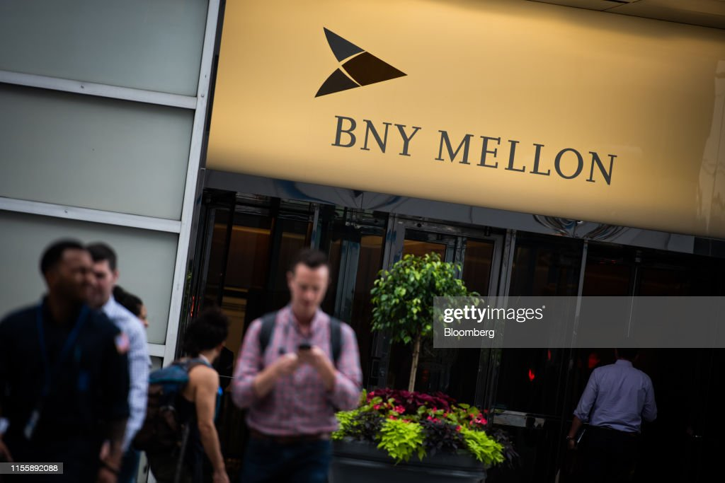 A Bank of New York Mellon Office Location Ahead Of Earns : News Photo