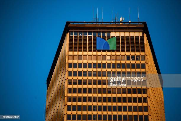 Signage is displayed on the MetLife Building in New York, U.S., on Tuesday, Oct. 31, 2017. MetLife Inc. Is scheduled to release earnings figures on...