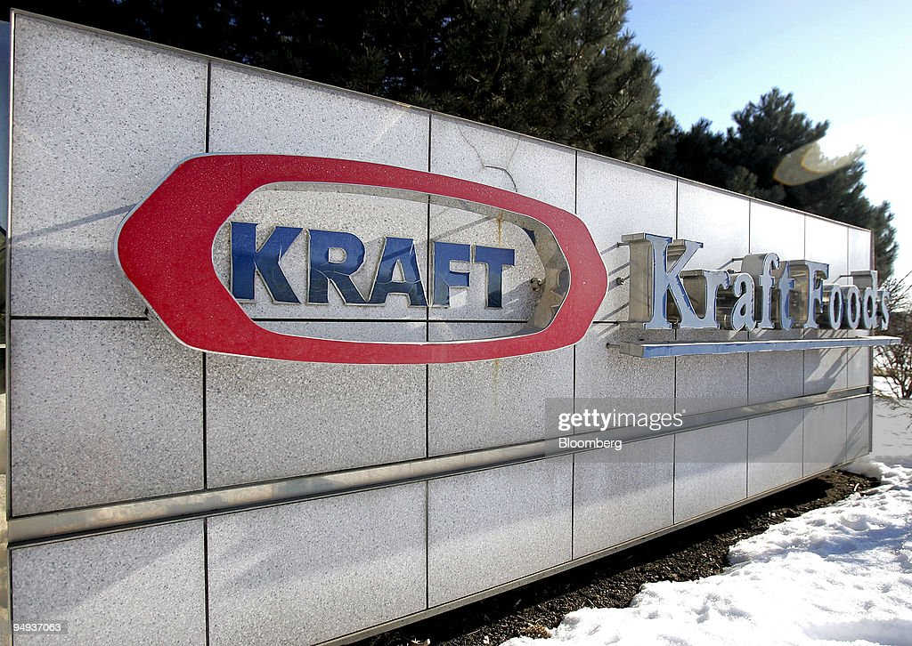 Signage is displayed outside Kraft Foods Inc.'s corporate he : News Photo
