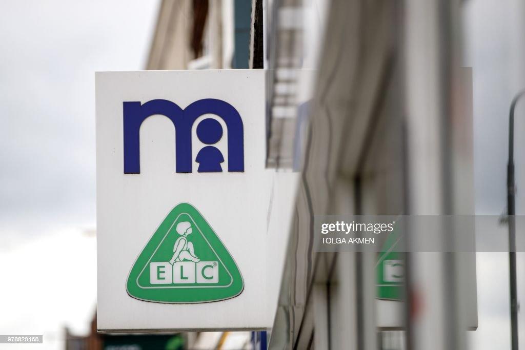 BRITAIN-RETAIL-BUSINESS-EARNINGS : Foto jornalística