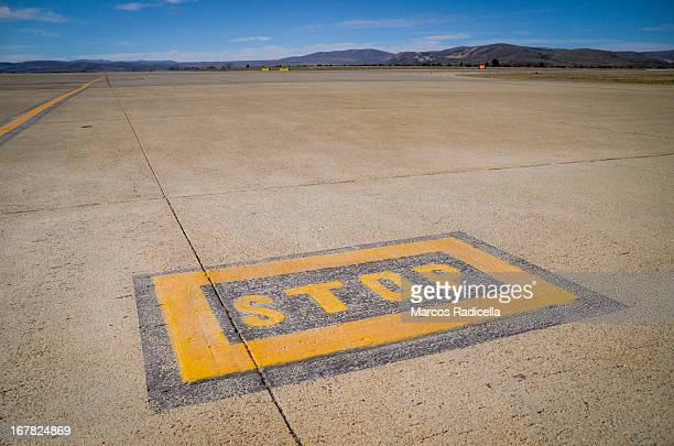signal on airstrip - radicella stock pictures, royalty-free photos & images