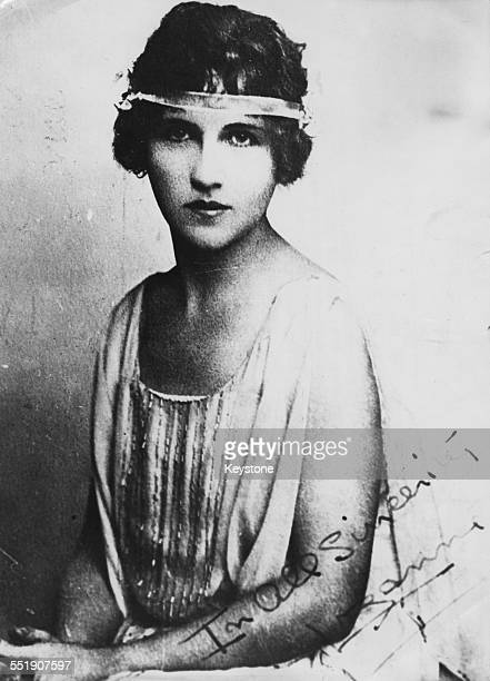 A signed photograph of pianist and songwriter Alma Rattenbury circa 1925 The inscription reads 'In All Sincerity Lozanne' Lozanne being her...