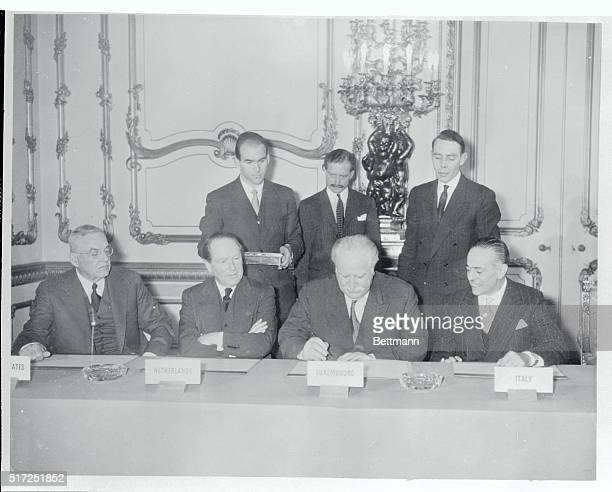 Signers of the Nine Power Pact are John Foster Dulles US JW Beyen Netherlands J Beck Luxembourg and Gaetano Martino Italy