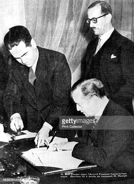 Signing of financial accord between Britain and the Free French, Algiers, 8 February 1944. Duff Cooper, British Government liasion to the Free...