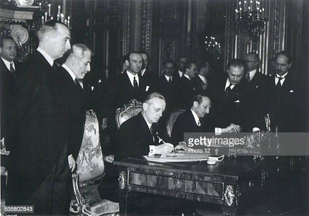 Signing of the FrenchGerman agreement by Mr Bonnet and Von Ribbentrop in Paris December 5 1938