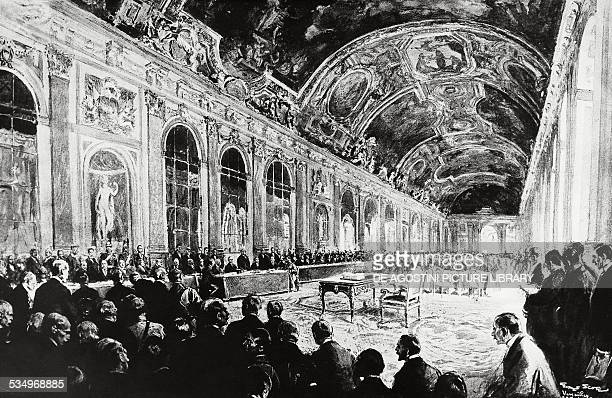 Signing of the peace treaty at the end of World War I in the Hall of Mirrors at Versailles June 28 engraving France 20th century