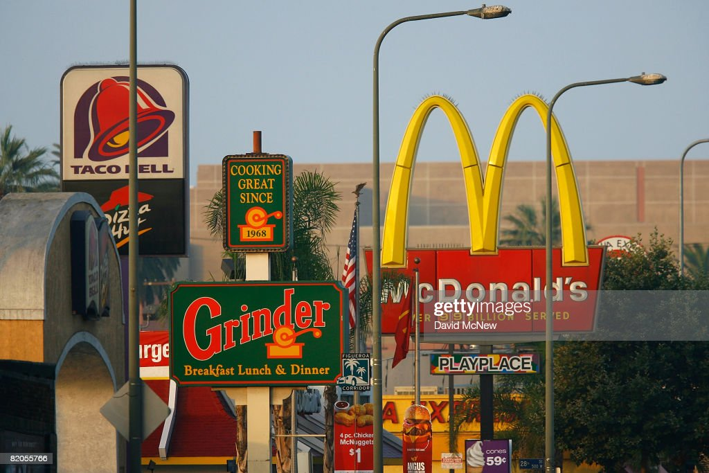 L.A. City Council Proposes Ban On Fast-Food Chains : News Photo