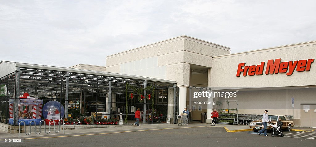 signs of the christmas season are evident at a fred meyer re news photo - Fred Meyer Hours Christmas