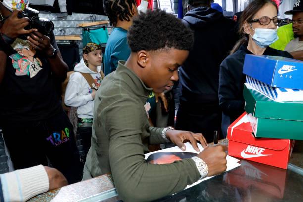 NY: Lil AGZ x YXNG KA 50 Sneaker Giveaway To Kids