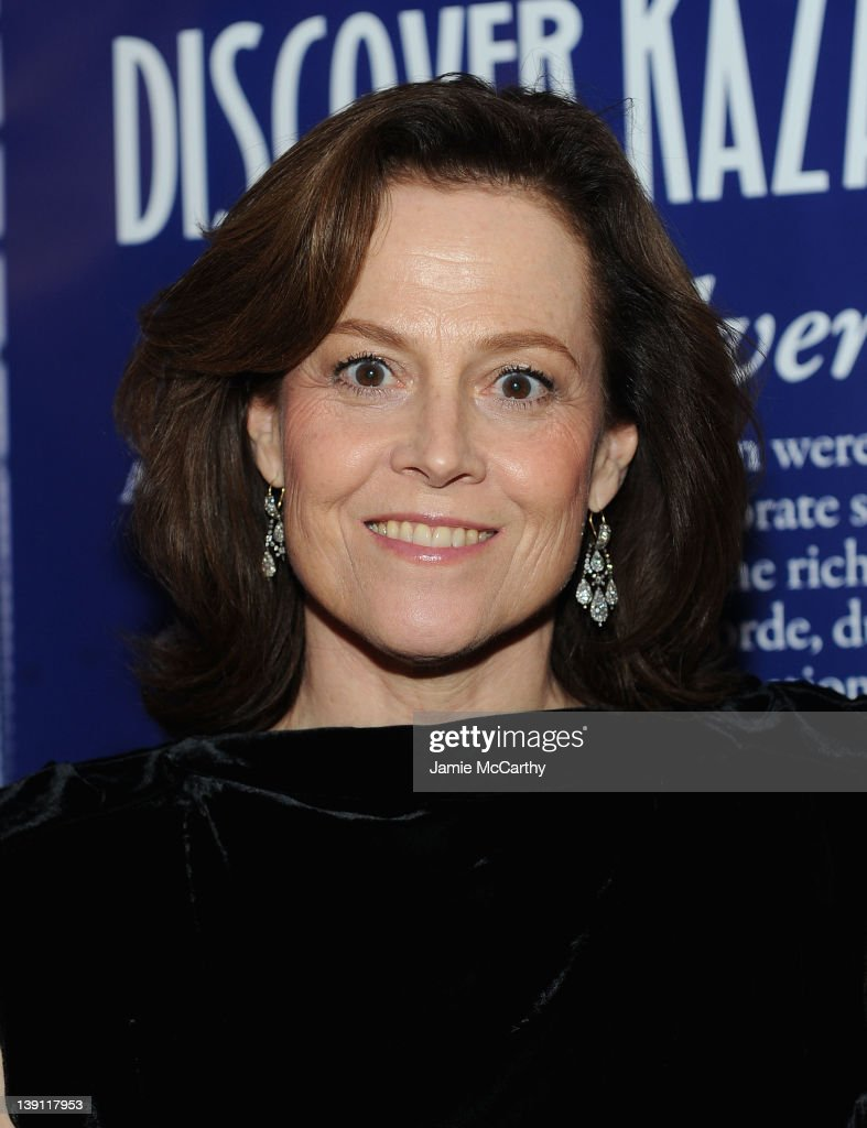 Sigourney Weaver Hosts The 2012 Nomad's Way Charity Gala