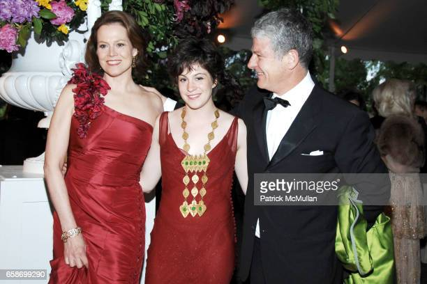 Sigourney Weaver Charlotte Simpson and Jim Simpson attend THE NEW YORK BOTANICAL GARDEN 2009 Conservatory Ball at The New York Botanical Garden on...