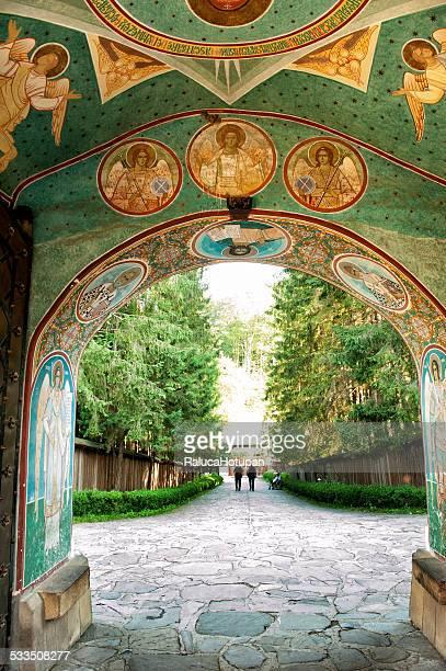 sihastria monastery - moldavia fotografías e imágenes de stock