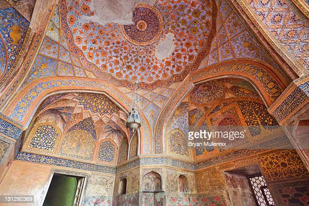 sikandar, akbar's tomb - agra stock pictures, royalty-free photos & images