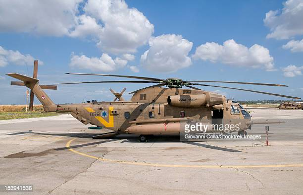 a sikorsky ch-53 yasur 2025 upgraded version of the israeli air force, tel nof air base, israel. - この撮影のクリップをもっと見る 2025 stock pictures, royalty-free photos & images