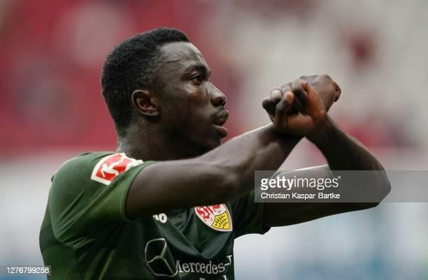 Silas Wamangituka of VfB Stuttgart celebrates after scoring his sides first goal during the Bundesliga match between 1. FSV Mainz 05 and VfB...