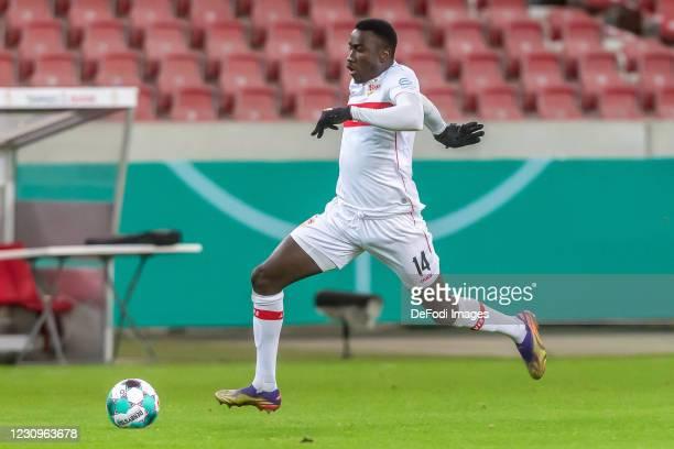 Silas Wamangituka of VfB Stuttgart controls the Ball during the DFB Cup Round of Sixteen match between VfB Stuttgart and Borussia Mönchengladbach at...
