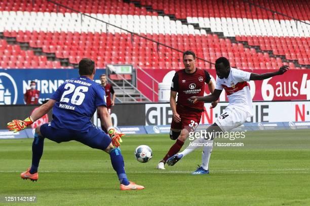 Silas Wamangituka of VfB Stuttgart scores the first goal during the Second Bundesliga match between 1. FC Nürnberg and VfB Stuttgart at...