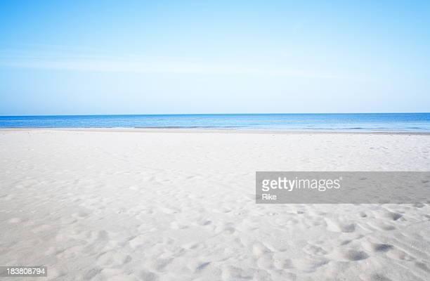 リゾートの静かなビーチのバルト海