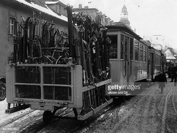 Silesia Warmbrunn tram transporting skis date unknown around 1933 published in Zeitbilder 10/1933