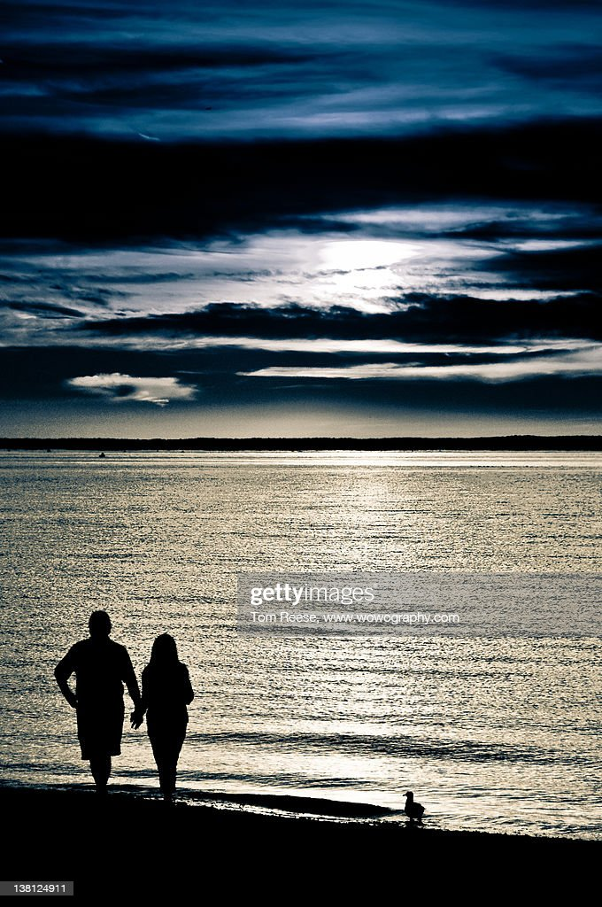 Silhouette couple : Stock Photo
