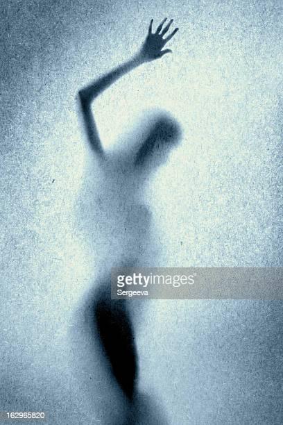 silhueta de uma mulher bonita - silhueta de corpo feminino preto e branco - fotografias e filmes do acervo