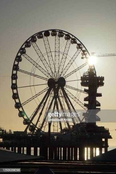 silhouette of ferris wheel, sunset, scheveningen pier, the hague, the netherlands - 1961 stock pictures, royalty-free photos & images