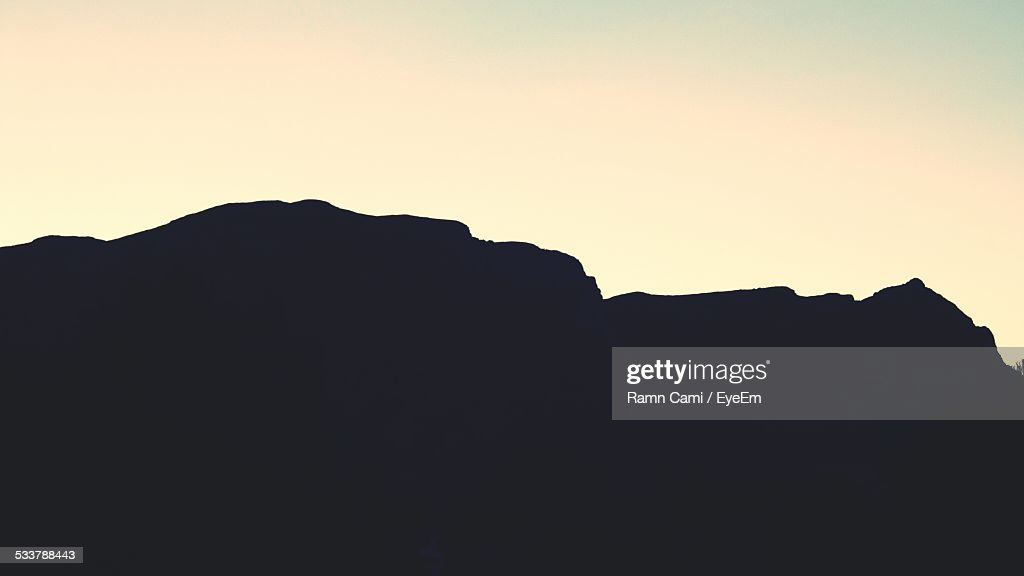Silhouette Of Mountain Range : Foto stock