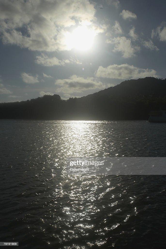 Silhouette of mountains at dusk, Providencia, Providencia y Santa Catalina, San Andres y Providencia Department, Colombia : Foto de stock